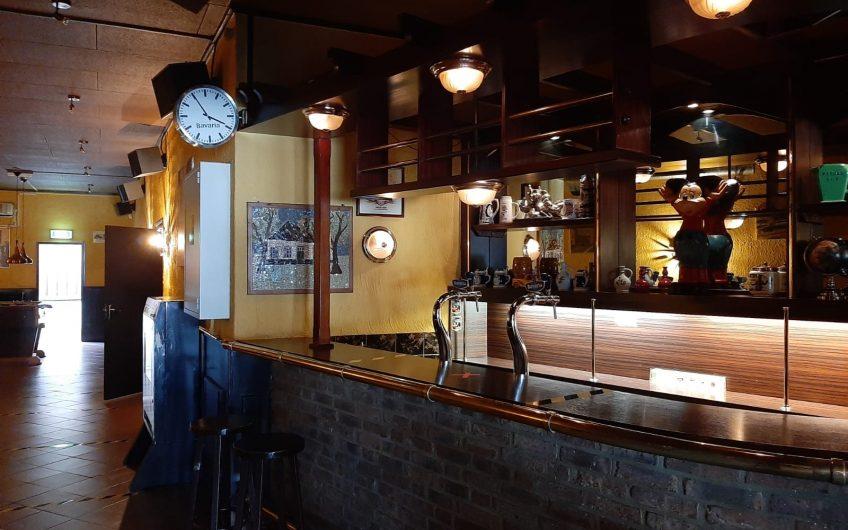 Pand van Café Ons Limburg in centrum Heerlen (Limburg) te koop