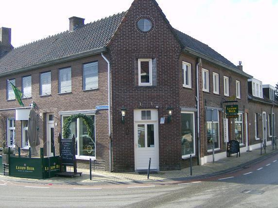 Horeca te koop: Restaurant met B&B en bovenwoning te Baarlo, Limburg.